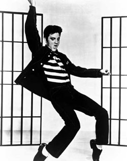 "Elvis Presley, o eterno ""rei do rock"""